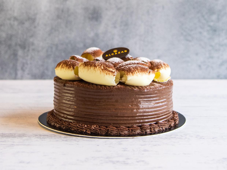 pastel-blanco-y-negro-por-pasteleria-alcazar