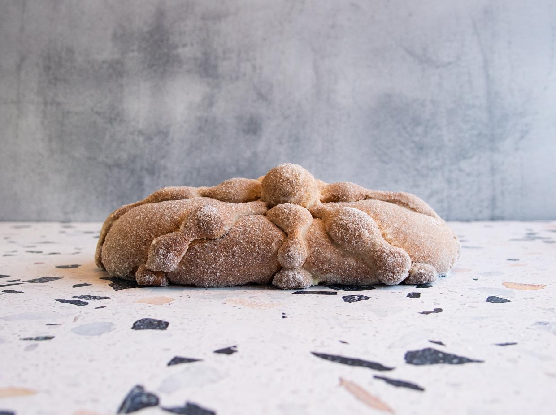 pan-de-muerto-tradicional-grande-por-pasteleria-alcazar